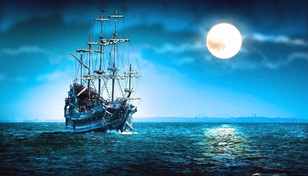 2bigstock-flying-dutchman-sailing-ship-6715430 (1)